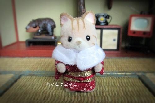 和服のシマネコ赤ちゃんブローチ-2006年ハッピーボックス限定 正面