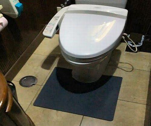 最新の業務用抗菌トイレマットおすすめのメーカーは?尿の飛散を防ぐ吸収お手入れ簡単楽