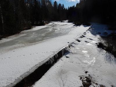 凍った川2