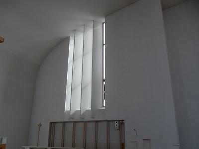 ラケウデンリスティ教会祭壇横の窓