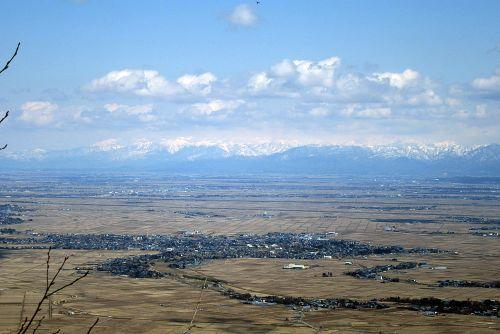 五頭山と飯豊連峰