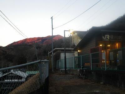 梁川駅を出発