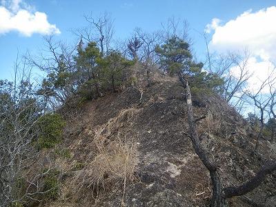 結構な岩場