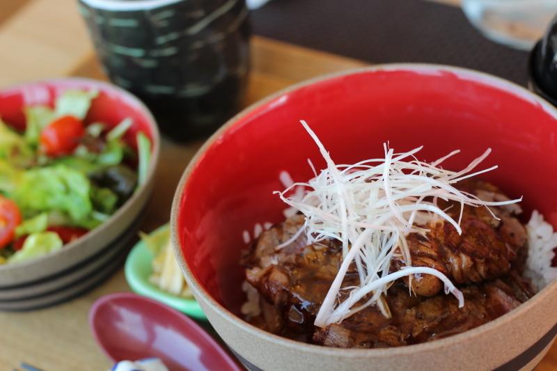 イチボローストビーフ丼