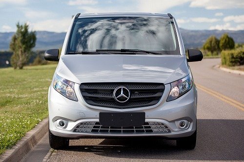 2016-Mercedes-Benz-Metris-front-end-031.jpg