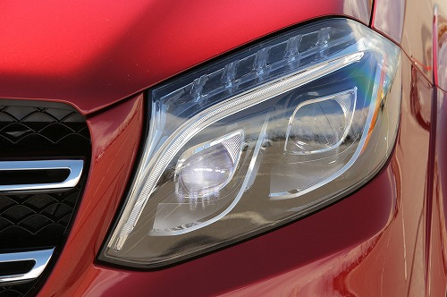 2017-Mercedes-Benz-GLS550-headlamp.jpg