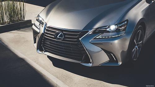 Lexus-GS-350-shown-in-atomic-silver-gallery-overlay-1204x677-LEX-GSG-MY16-0035-01.jpg