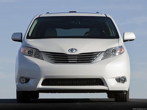 Toyota-Sienna-2011-1024-11.jpg