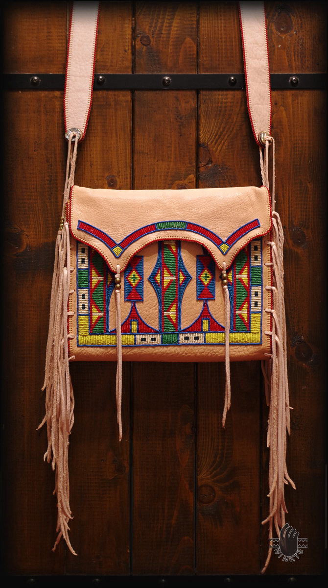 Parfleche Style Beaded Shpulder Bag 2 logo ver