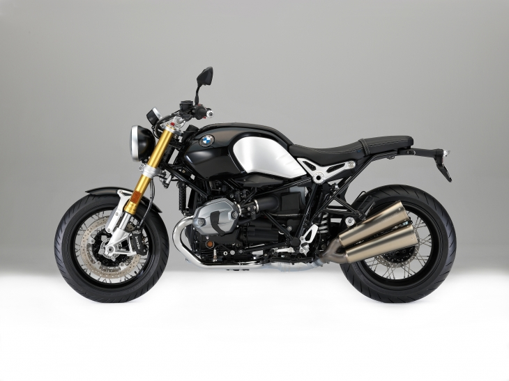 70_P90240303_highRes_the-new-bmw-r-ninet-.jpg