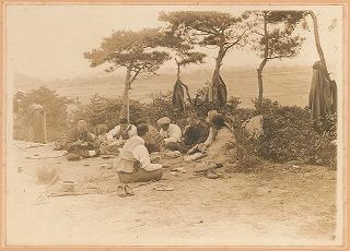 1930-1940戦前甑だおし後の花見の様子