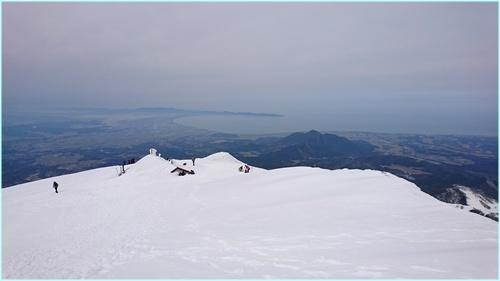 033 山頂より