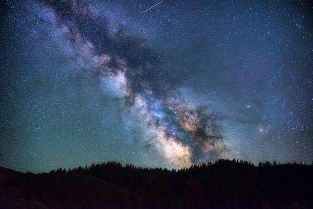 astronomy-1866822_640.jpg