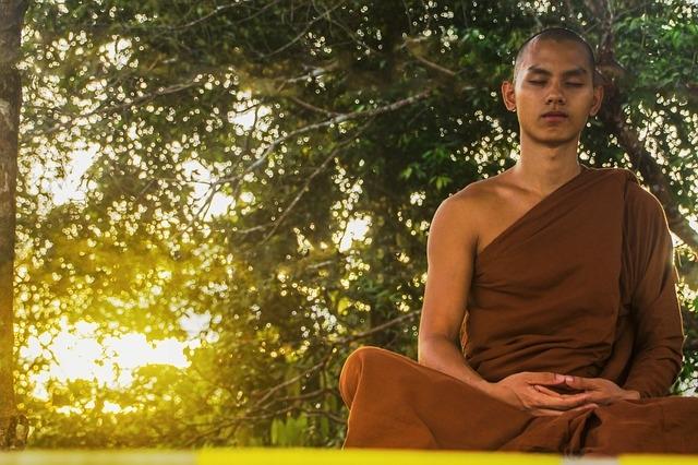 meditate-2105143_640.jpg