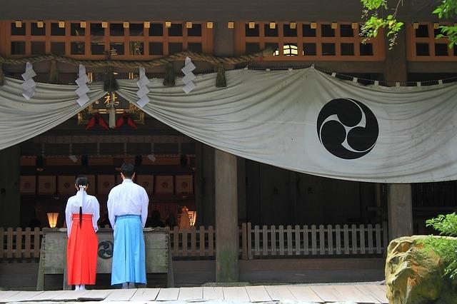shrine-801609_640.jpg