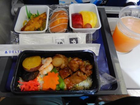ハワイ2016.10成田空港デルタ航空ホノルル行き・機内食