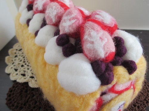 苺のロールケーキ完成4