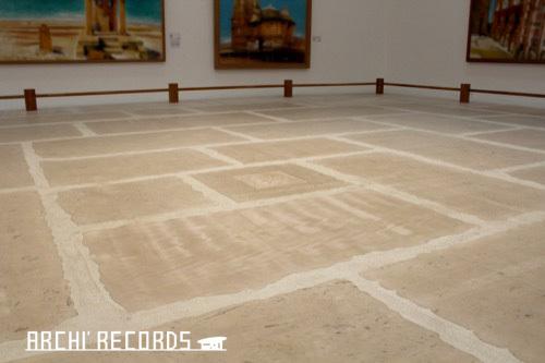 0171:秋野不矩美術館 第二展示室の床(クレ)