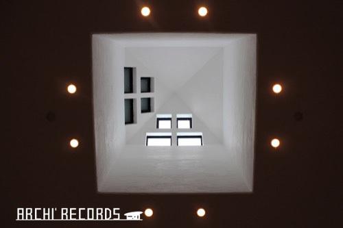 0171:秋野不矩美術館 第二展示室見上げる(クレ)