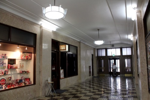 0233:神港ビルヂング 共用廊下②