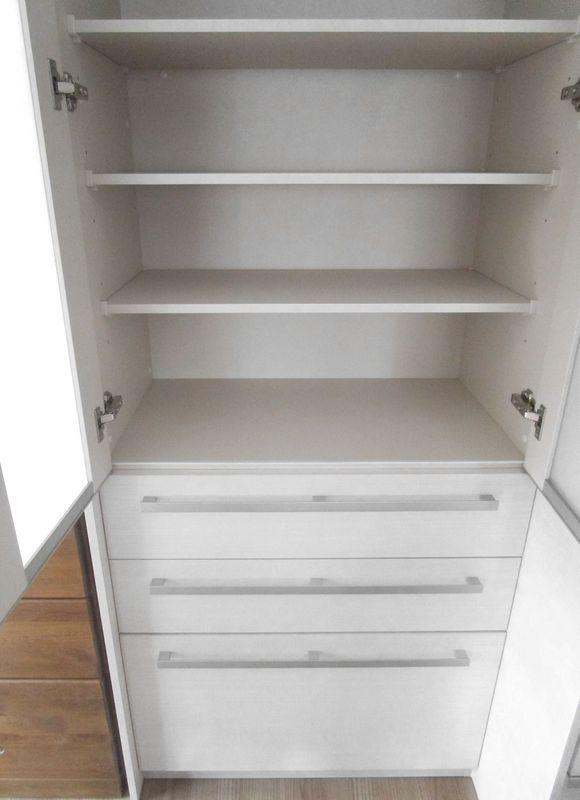 リフォーム後の食器棚