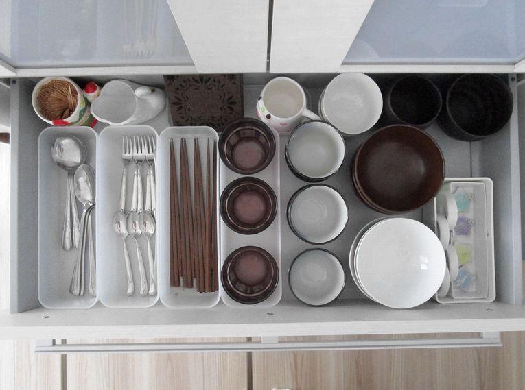食器棚引き出し 収納 無印ポリプロピレンケース ダイソー