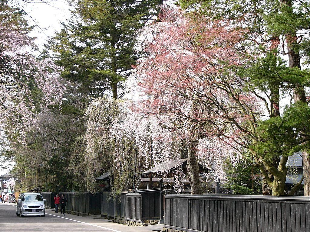 Bukeyashiki_Street_in_Kakunodate_20060506.jpg