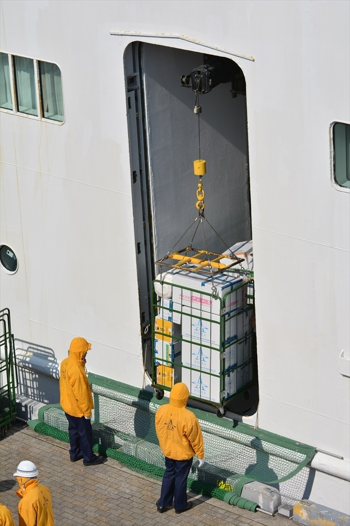 荷物の搬出作業_6