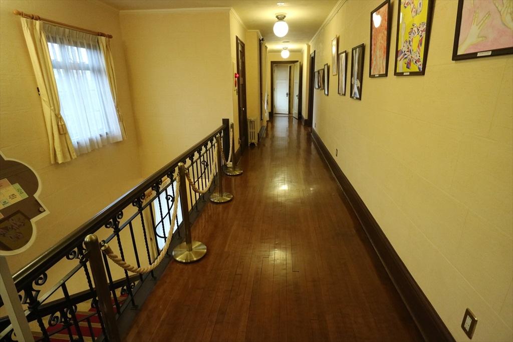 2階廊下_2