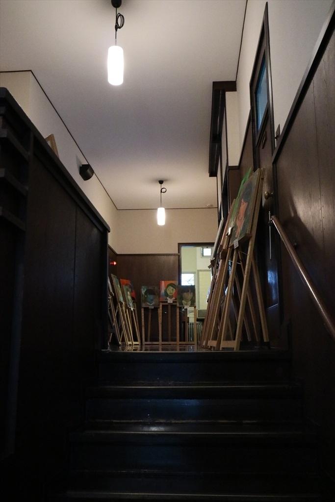 がっちりした階段_2