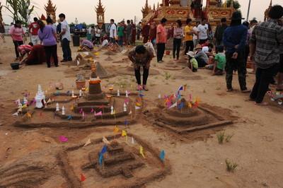 sand pagodas (1)