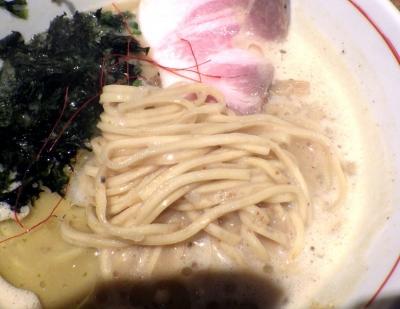 麺と心 7 雲丹白湯ラー麺(麺のアップ)