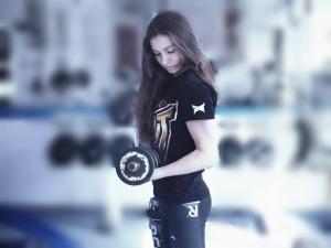 girl-in-the-gym-1391368_960_720-crop.jpg