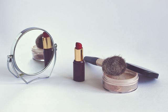 cosmetics-1543276_640.jpg