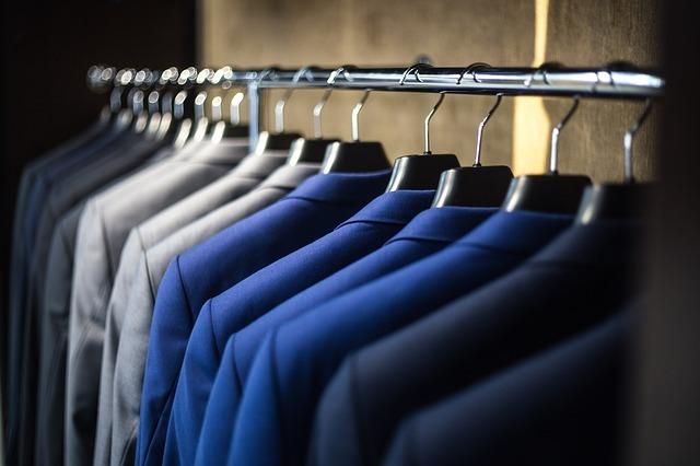 フォーマルウェア専門店で教わった「黒い洋服についた汚れ」の取り方2