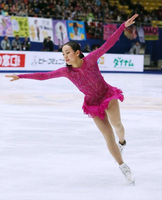 FigureSkatingMaoAsada20152016tripleaxel01.jpg