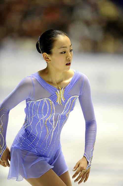 Mao-Asada-Figure-Skater-Skating-Claire-Du-Lune-2008-purple74.jpg