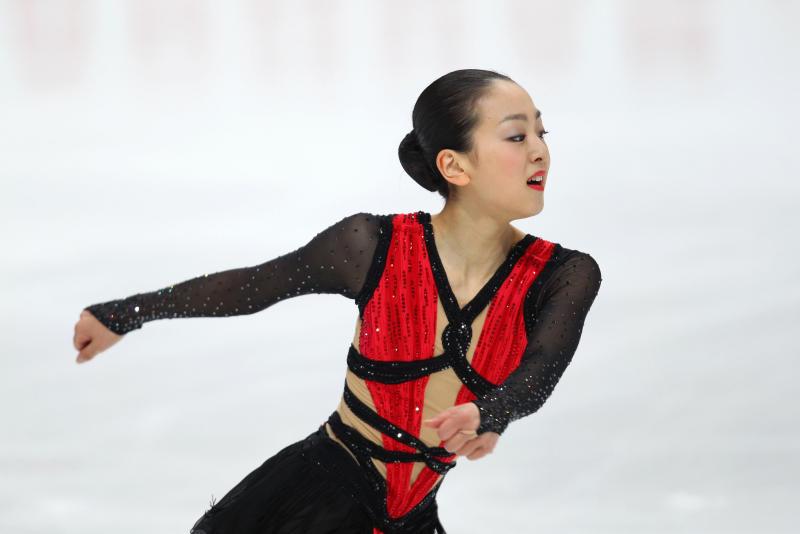 Mao-Asada-Tango-Red-Blackstripe-World-Championships-201104.jpg