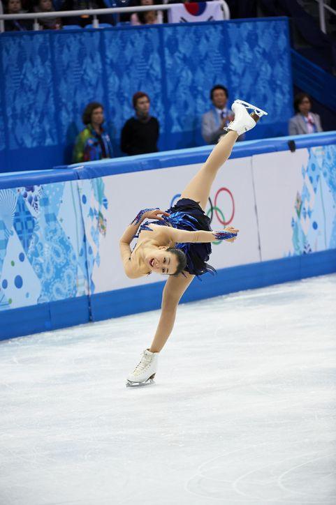 Spiral-Choreographic-sequence-sochi-olympics-world-champion-Mao-Asada-2013-201406.jpg