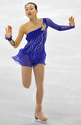 figure-skating-mao-asada-2008-claire-de-lune-blue-dress2.jpg