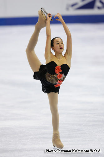 mao-asada-csardas-2006-triple-axel-jumper-figure-skating02.jpg