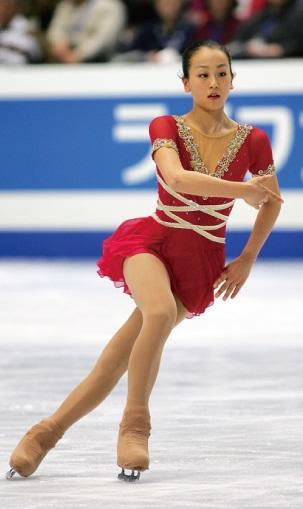 mao-asada-csardas-2006-triple-axel-jumper-figure-skating7.jpg