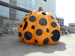 ①草間彌生 かぼちゃ
