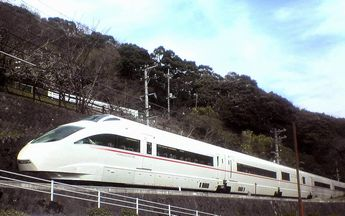 Odakyu_Romance_Car_Series_50000-2.jpg