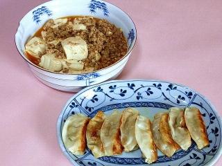 170224_4471 財田さんの料理・麻婆豆腐・焼き餃子VGA