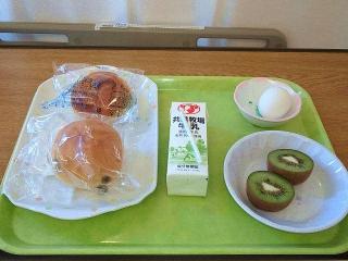 170310_4491 検査入院先の入院3日目退院日の朝食VGA
