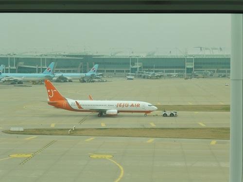 仁川空港サテライトターミナルKALラウンジからの眺め