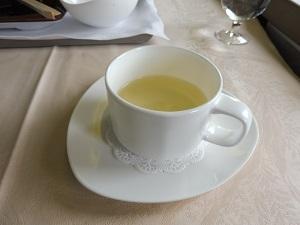 機内で出されたお茶