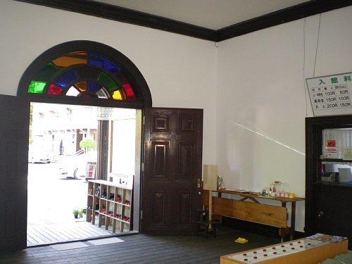 旧南会津郡役所・玄関