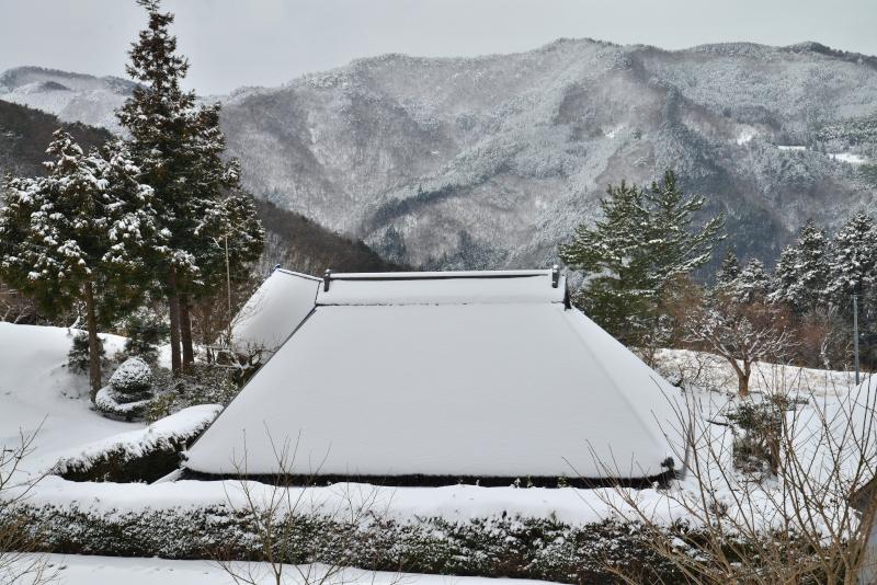 「冬の山村3」